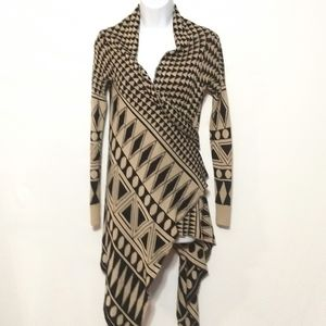 Cable & Gauge Small asymmetrical Aztec cardigan